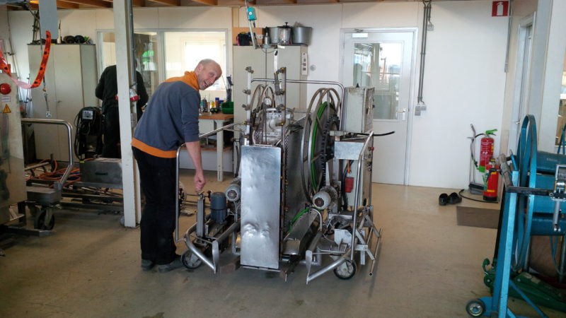 Micothon spraying robot gets modified for Asclepias